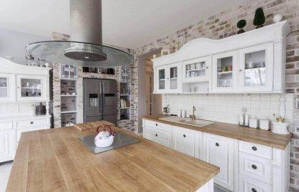 8 יתרונות שיש במטבחים כפריים שאי אפשר פשוט להתעלם מהם